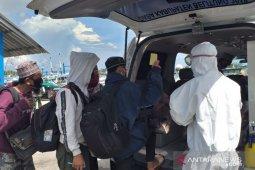 Satpolair Belitung amankan tujuh penumpang kapal nelayan dari Kalimantan Barat