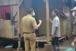 Aparat Kecamatan Periuk Tangerang pindahkan keluarga Barokal ke rusun