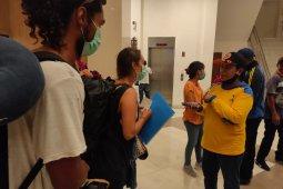 Gugus Tugas Kota Sorong bantu pemulangan warga asal Kolombia