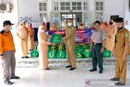 DWP Sabang bagikan 1.000 paket sembako bagi warga dampak COVID-19