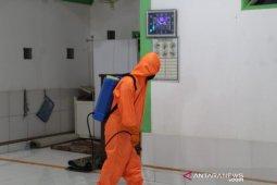 Praja Rescue Satgas Gugus Tugas Pandemi COVID-19 Semprot Disiinfektan Rumah Ibadah