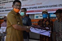 Bupati Citra Duani mulai salurkan BST Kemensos