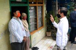 Presiden Joko Widodo  minta penyaluran bantuan sosial dipercepat