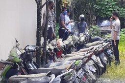 Polresta Banjarmasin kubur barang bukti ratusan sepeda motor tak bertuan