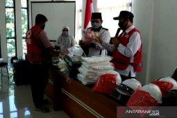 PMI Kota Sukabumi salurkan APD untuk tenaga medis