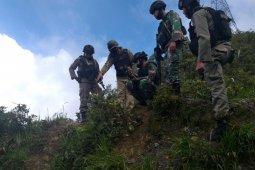 Persempit ruang gerak KKB, TNI-Polri patroli masuk hutan