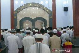 Jumat ini, Jamaah Al Muhdlor Tulungagung laksanakan Shalat Id