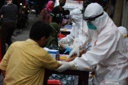 Rapid test di Pasar Sore Manukan Surabaya