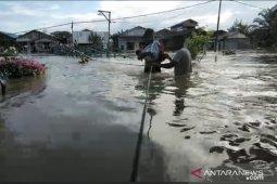 Banjir di Samarinda Kaltim meluas, sejumlah akses jalan lumpuh total