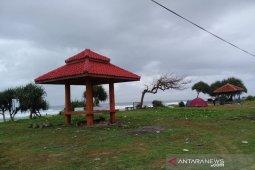 Pantai Sayang Heulang di Garut ditutup antisipasi kerumunan wisatawan