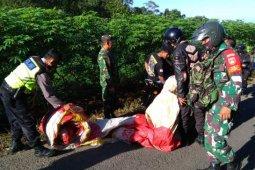 TNI dan polisi sita enam balon