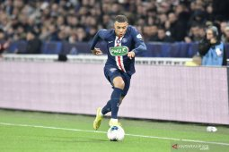 Kylian Mbappe akan tetap bertahan di PSG musim depan