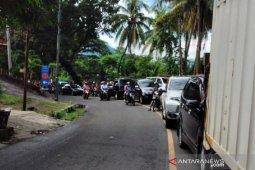 Objek wisata Sukabumi diserbu wisatawan, PSBB dinilai tidak maksimal
