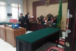 Hakim PN Ambon vonis terdakwa kasus pembalakan liar 2,5 tahun penjara