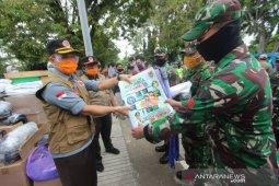 324 petugas edukasi para pedagang di 38 pasar tradisional di Banjarmasin