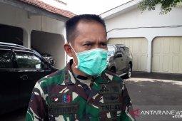 Petugas gabungan disiagakan di pusat keramaian Sukabumi jelang penerapan normal baru