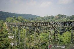 Jembatan kereta api terpanjang