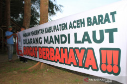 Himbauan larangan mandi laut di Aceh Barat