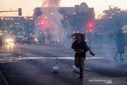 Unjuk rasa di Amerika berujung ricuh, pengunjuk rasa tewas, toko dijarah