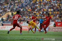 Liga sepakbola Vietnam kembali dihentikan akibat kasus baru COVID-19