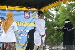 Terhukum zina dicambuk di Aceh Besar