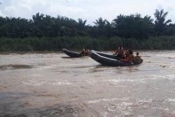 Basarnas terus cari nenek tenggelam di Sungai Durian Aceh Tamiang