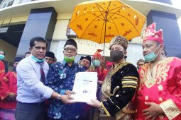 Puluhan warga laporkan Ade Armando ke polisi dugaan pencemaran nama baik masyarakat Minangkabau