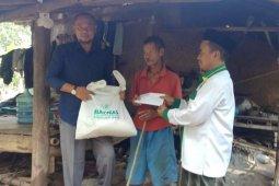 Baznas Lebak salurkan kebutuhan pokok bagi warga miskin