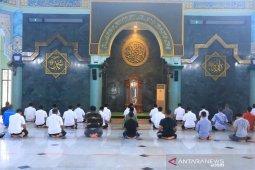 Masjid Raya Al Azhom Tangerang sudah bisa selenggarakan shalat berjamaah