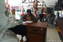 Kejati Papua Barat kembali laksanakan pemeriksaan swab COVID-19 gratis