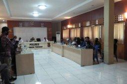 Segel Kantor Desa Dasan Baru Loteng oleh warga protes BLT akhirnya dibuka