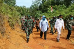 Pangdam XII/Tpr tinjau perbatasan Indonesia-Malaysia di Temajuk