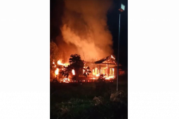 Rumah seorang ASN di daerah perbatasan terbakar
