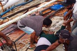Dua pria di Kapal Ikan Esih Jaya diduga tewas tersengat listrik