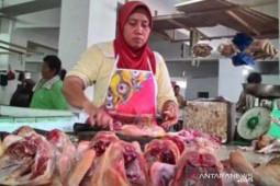 Harga ayam potong di Penajam Paser Utara bertahan tinggi