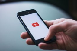 YouTube uji coba format video pendek