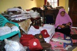 Penjahit seragam sekolah Desa Laladon Ciomas Kabupaten Bogor