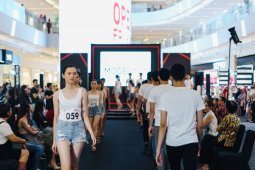 Jakarta Fashion Week gelar audisi model  semi-virtual