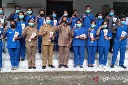 Puisi Bupati Imburi untuk petugas medis COVID-19