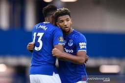 Tundukkan Leicester 2-1, Everton lanjutan torehan nirkalah di kandang