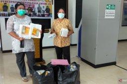 Gugus Tugas Kota Sorong salurkan APD kepada seluruh puskesmas