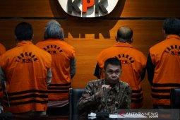 KPK tetapkan Bupati dan Ketua DPRD Kutai Timur sebagai tersangka