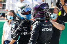 Untuk pole position Grand Prix Austria, Bottas ungguli Hamilton