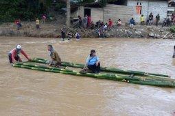 Dua jembatan di Suwawa Timur hanyut diterjang banjir