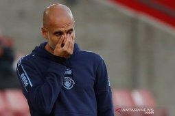 Pep Guardiola mengatakan sulit kalahkan tim yang 10 pemainnya menghuni area kotak penalti