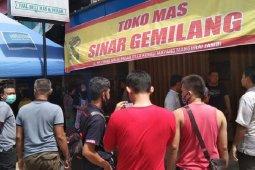 Rampok berpistol jarah toko emas di Jambi