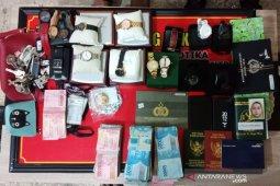 Seorang perempuan bandar narkoba ditangkap jelang hari pernikahannya