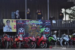 Keseruan jelajah komunitas motor