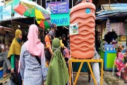 Aktivitas pasar di Banjarmasin sulit terapkan jaga jarak untuk cegah COVID-19