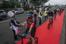 Aksi simpatik bike to work Indonesia